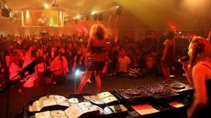 1-DJ-Plus